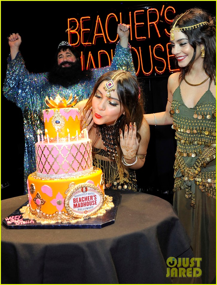 vannessa hudgens stella birthday party at beachers madhouse 272995401