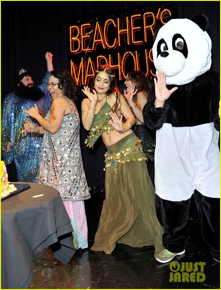 vannessa hudgens stella birthday party at beachers madhouse 29