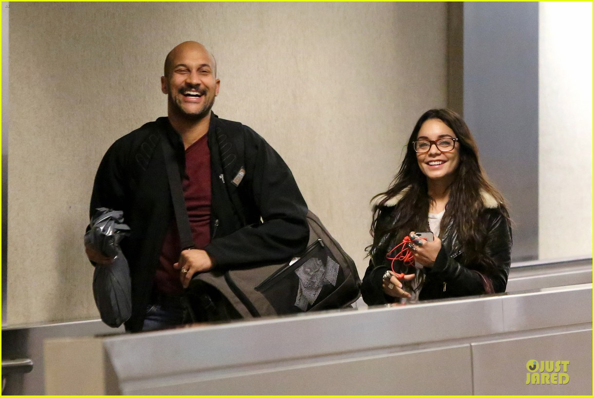 vanessa hudgens sports eyeglasses at lax airport 082993779