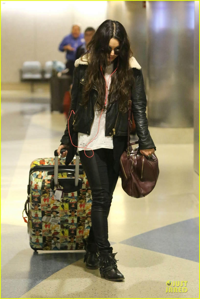 vanessa hudgens sports eyeglasses at lax airport 092993780