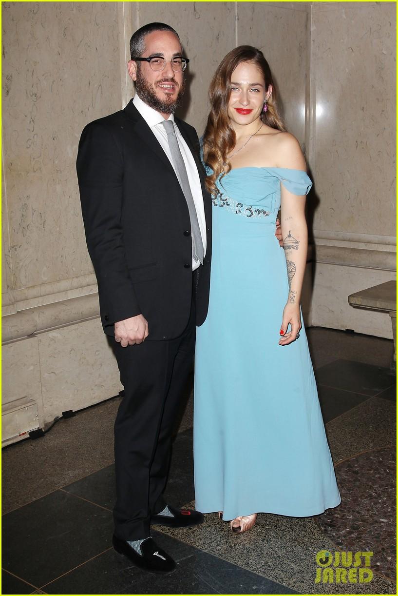 Josh Hutcherson & Florence Welch: NYC Museum Gala!: Photo ...