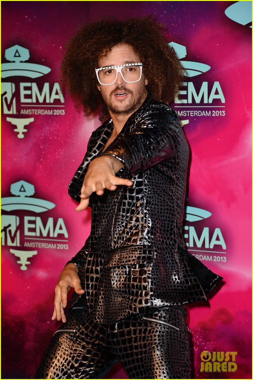 icona pop redfoo mtv emas 2013 red carpet 09