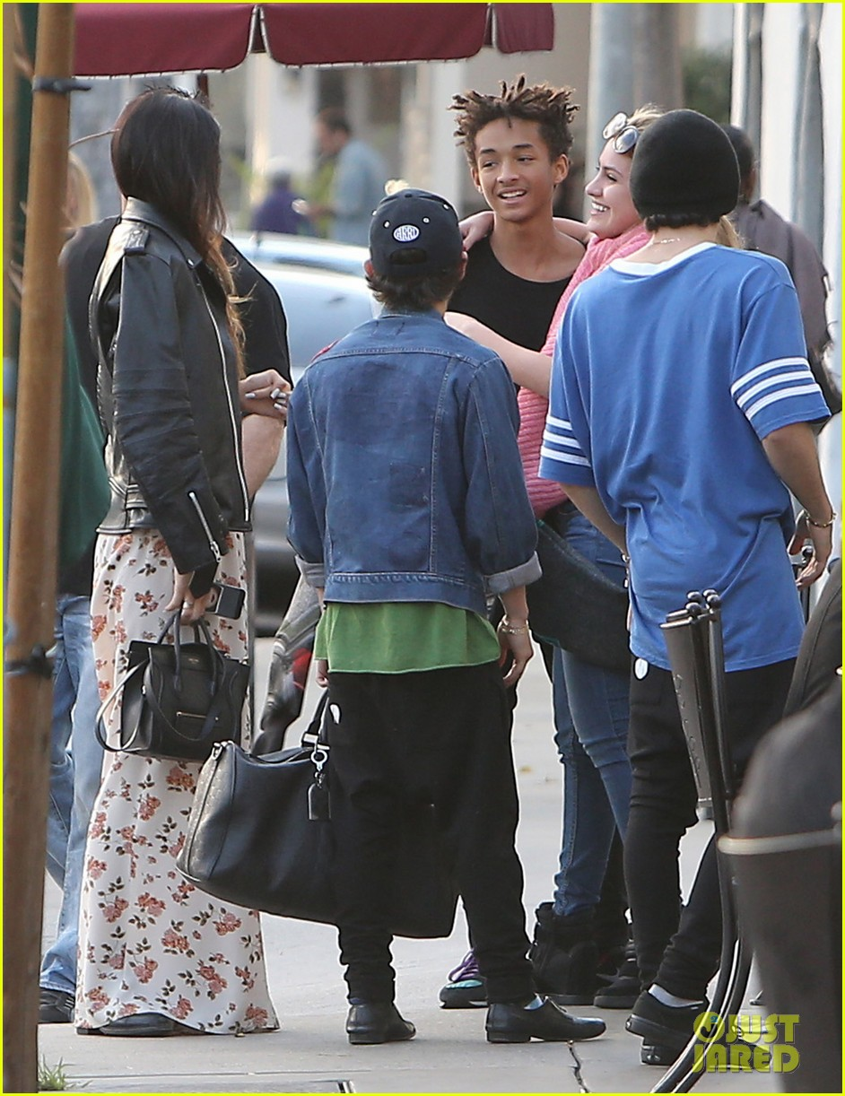 jaden smith kylie jenner shop dine with larger group 06