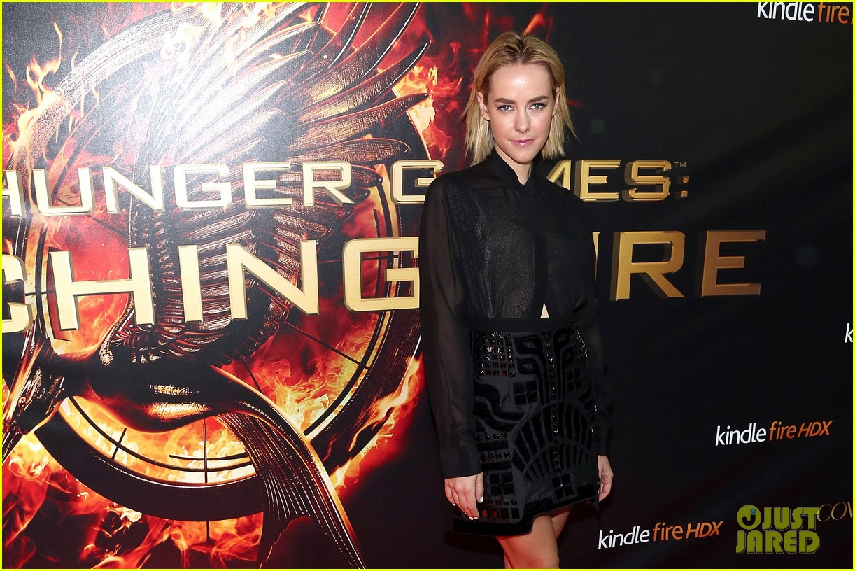 jena malone sam claflin catching fire mall tour 082985633