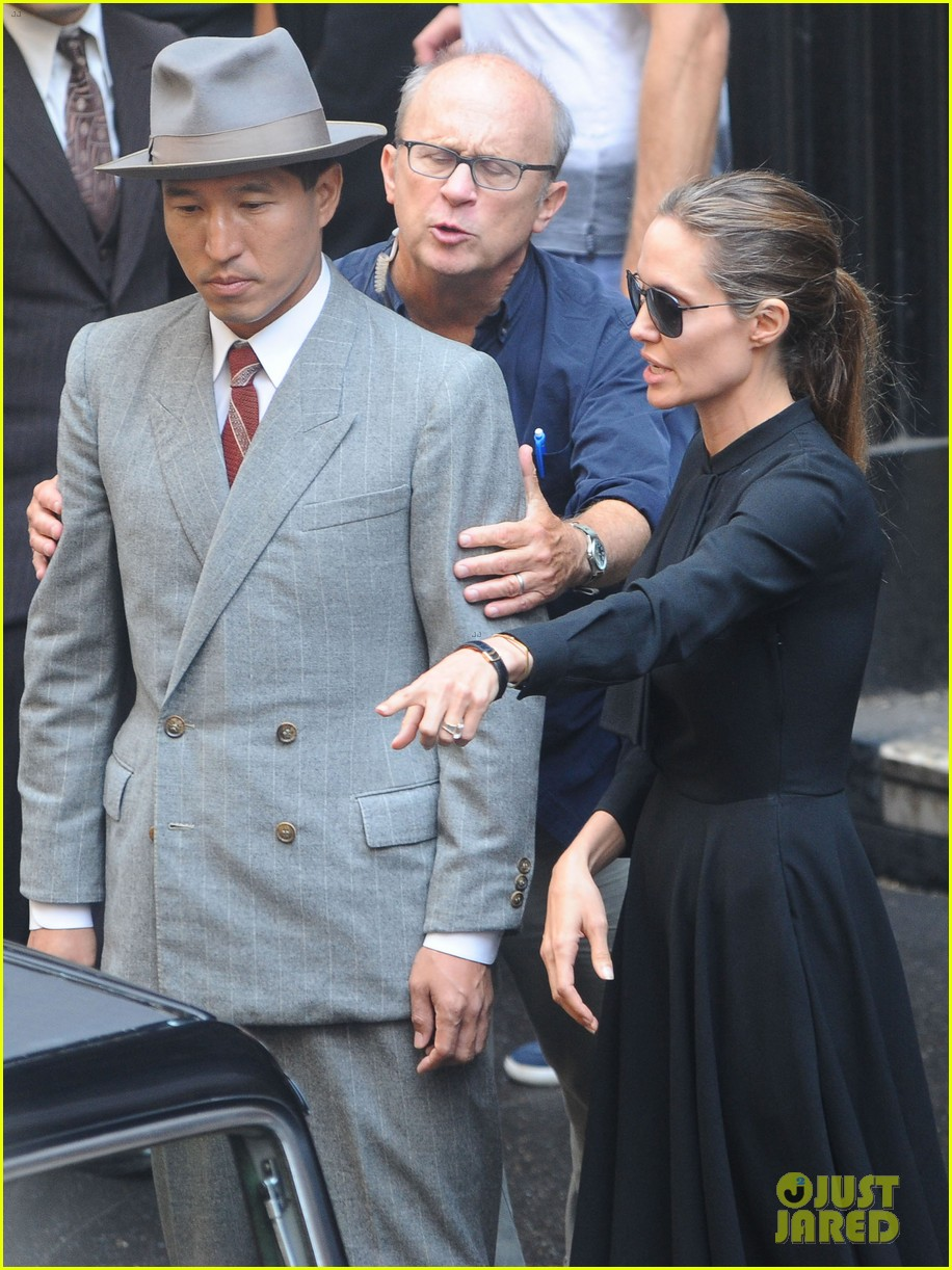 angelina jolie gets back to directing unbroken in australia 21