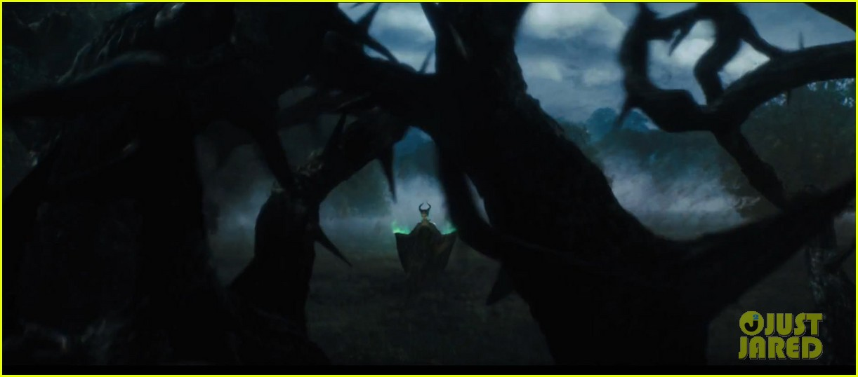angelina jolie maleficent teaser trailer with daughter vivienne 092991617