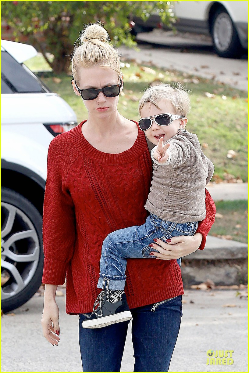january jones sunglasses sporting pair 02