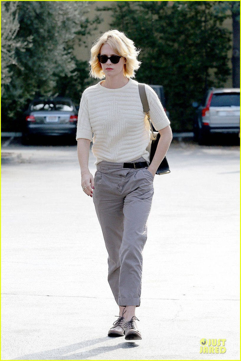january jones sunglasses sporting pair 122996115
