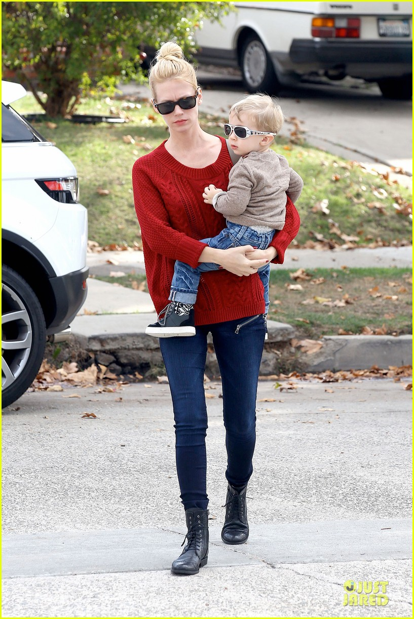 january jones sunglasses sporting pair 20