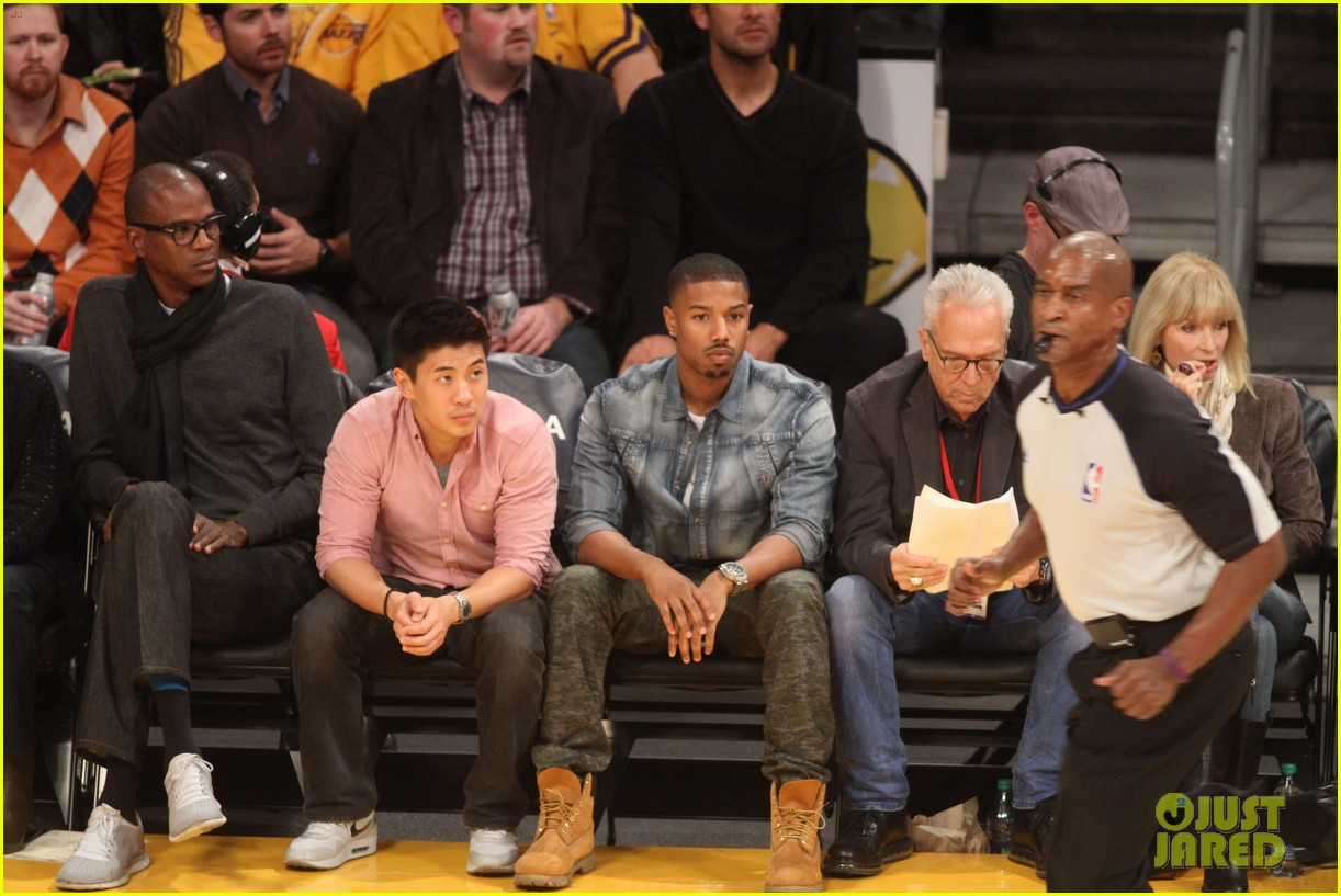 michael b jordan courtside seats at lakers v kings game 01