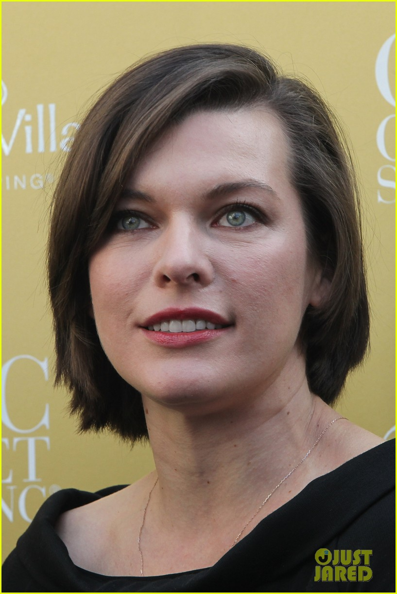 milla jovovich wertheim village 10th anniversary celebration 162990383