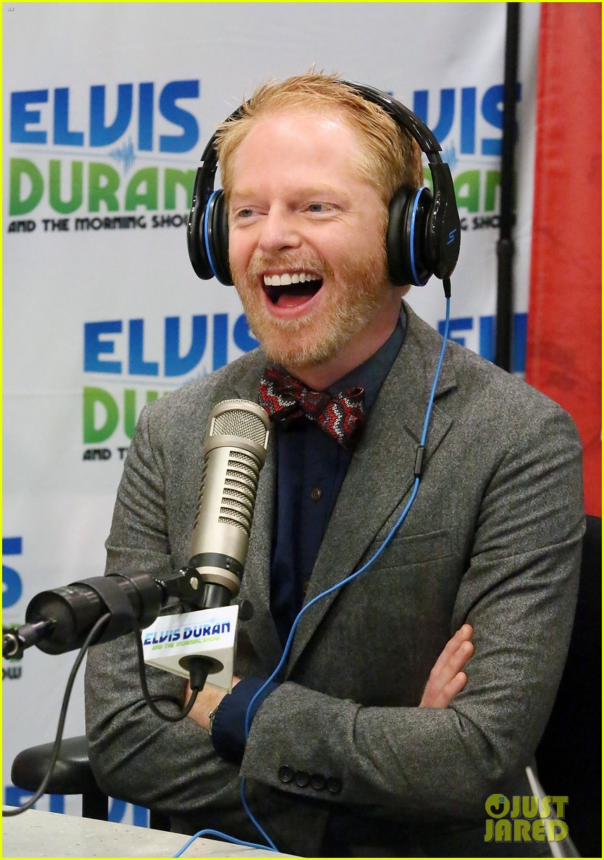 jesse tyler ferguson weighs in on alec baldwin controversy 06