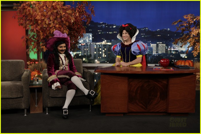 mindy kaling jimmy kimmel disney halloween costumes 01