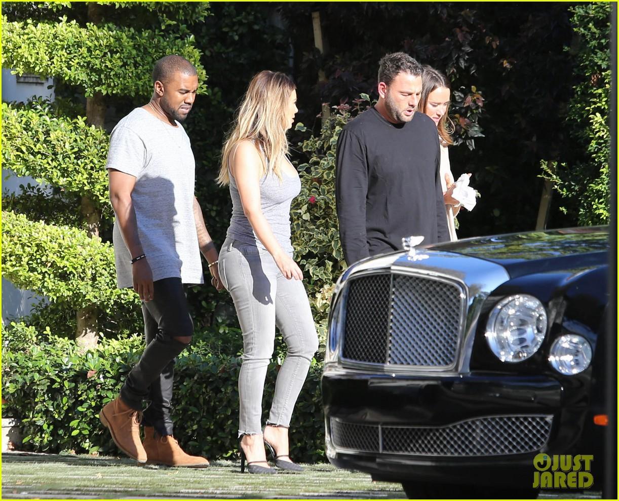 kim kardashian kanye west miami thanksgiving 02