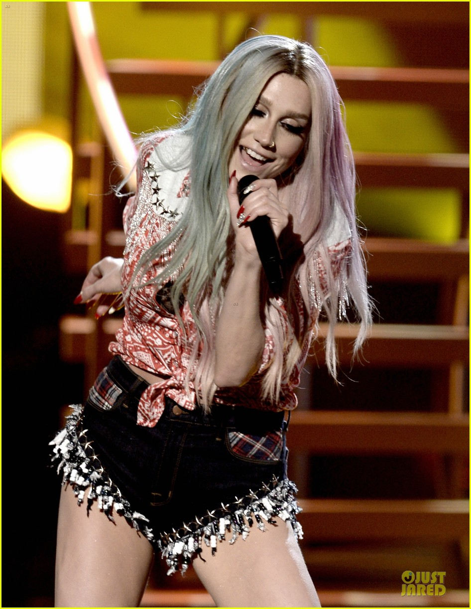 kesha pitbull timber amas 2013 performance video 10