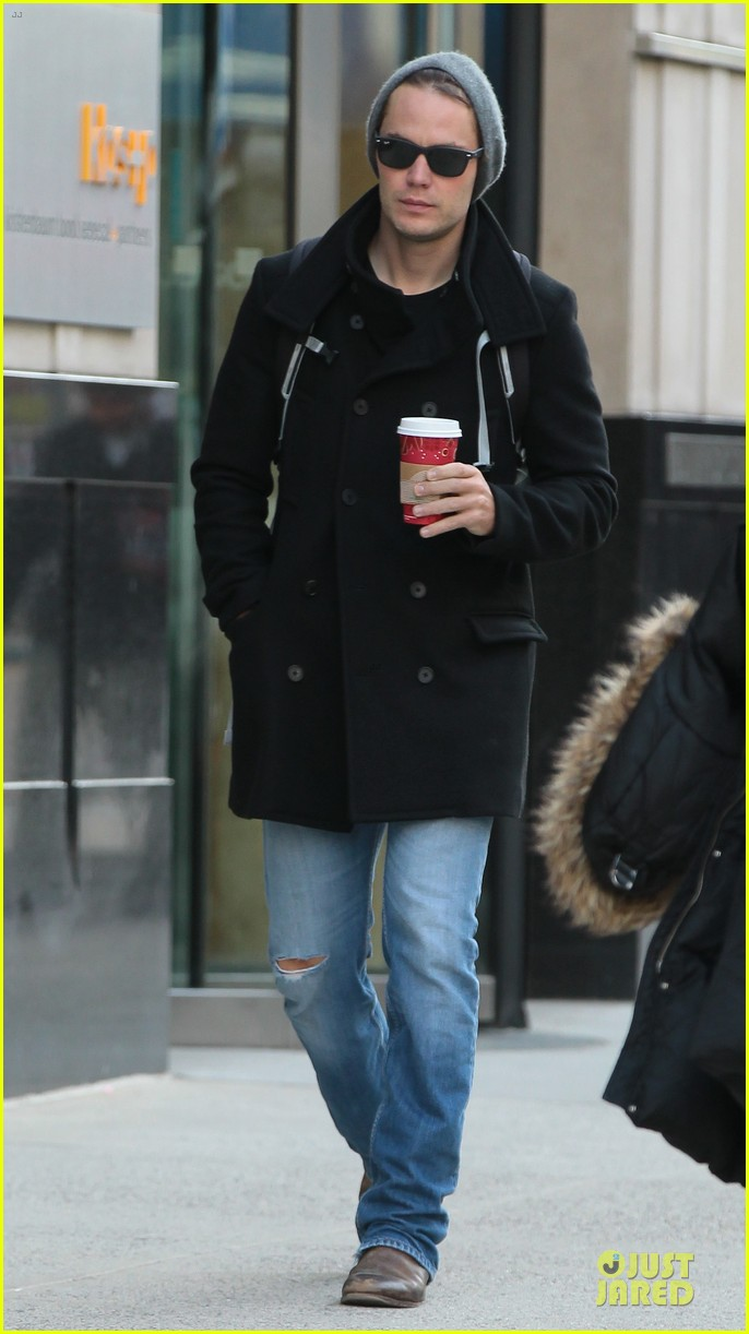 taylor kitsch wraps week with coffee 03