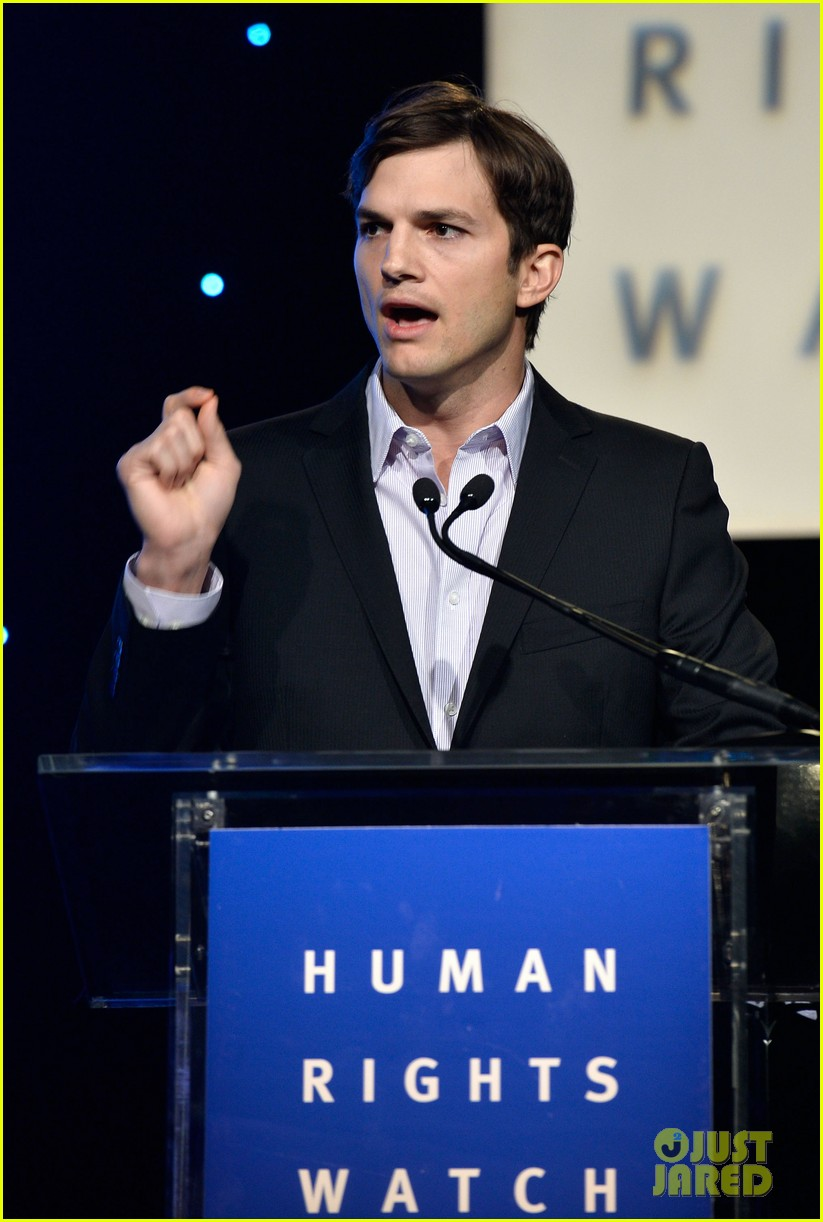 ashton kutcher speaks at human rights watch dinner 092991427