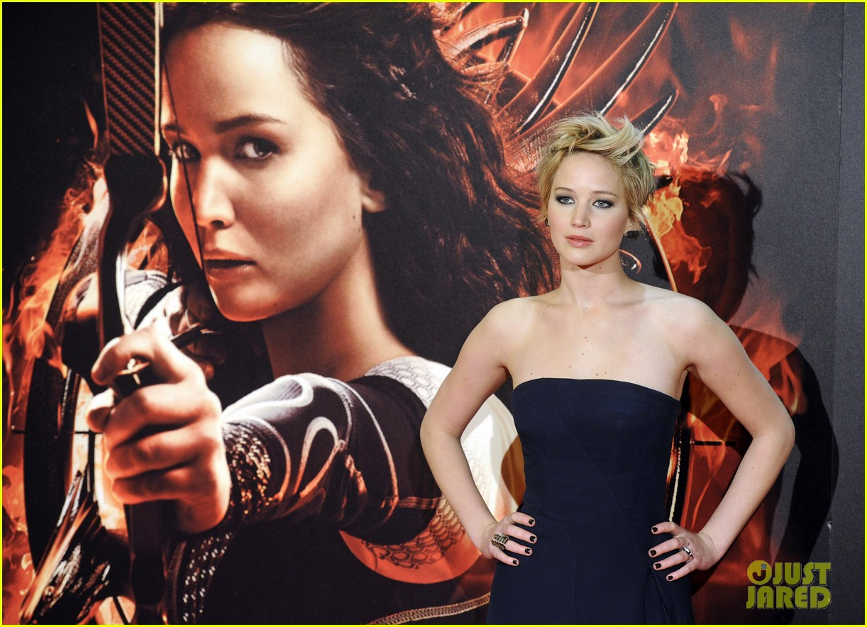 jennifer lawrence josh hutcherson catching fire madrid premiere 15