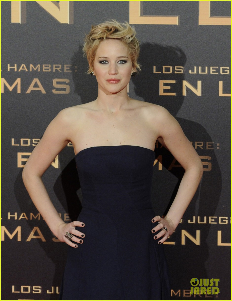 jennifer lawrence josh hutcherson catching fire madrid premiere 182991921