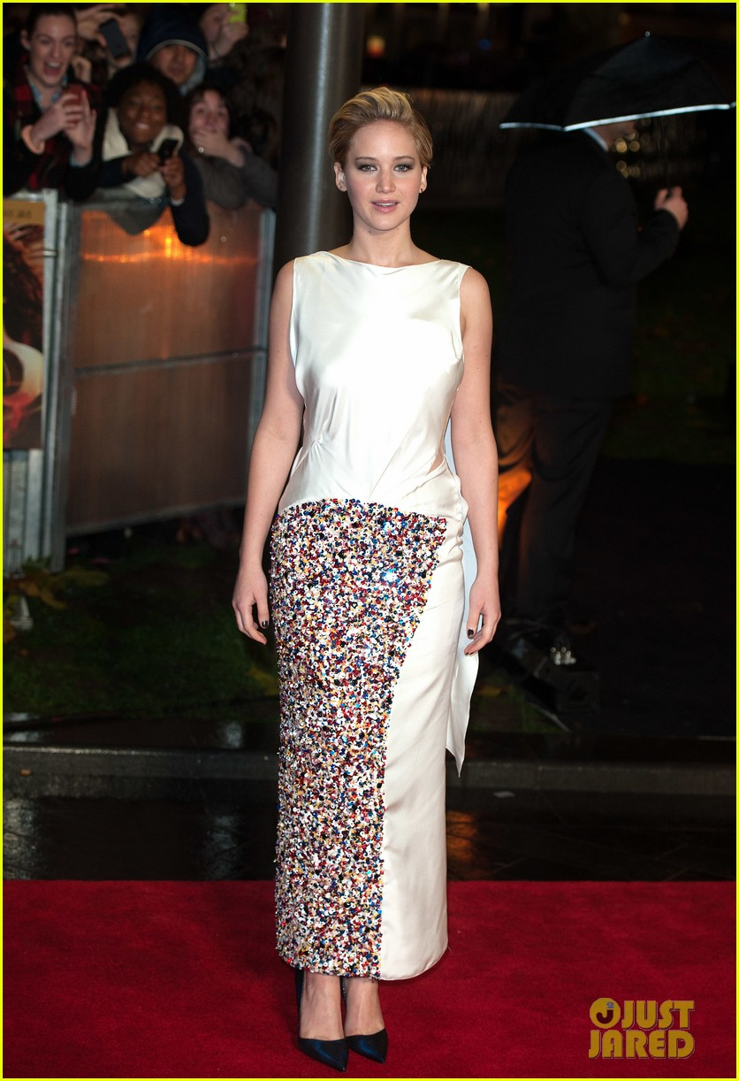 jennifer larence catching fire london premiere red carpet 09