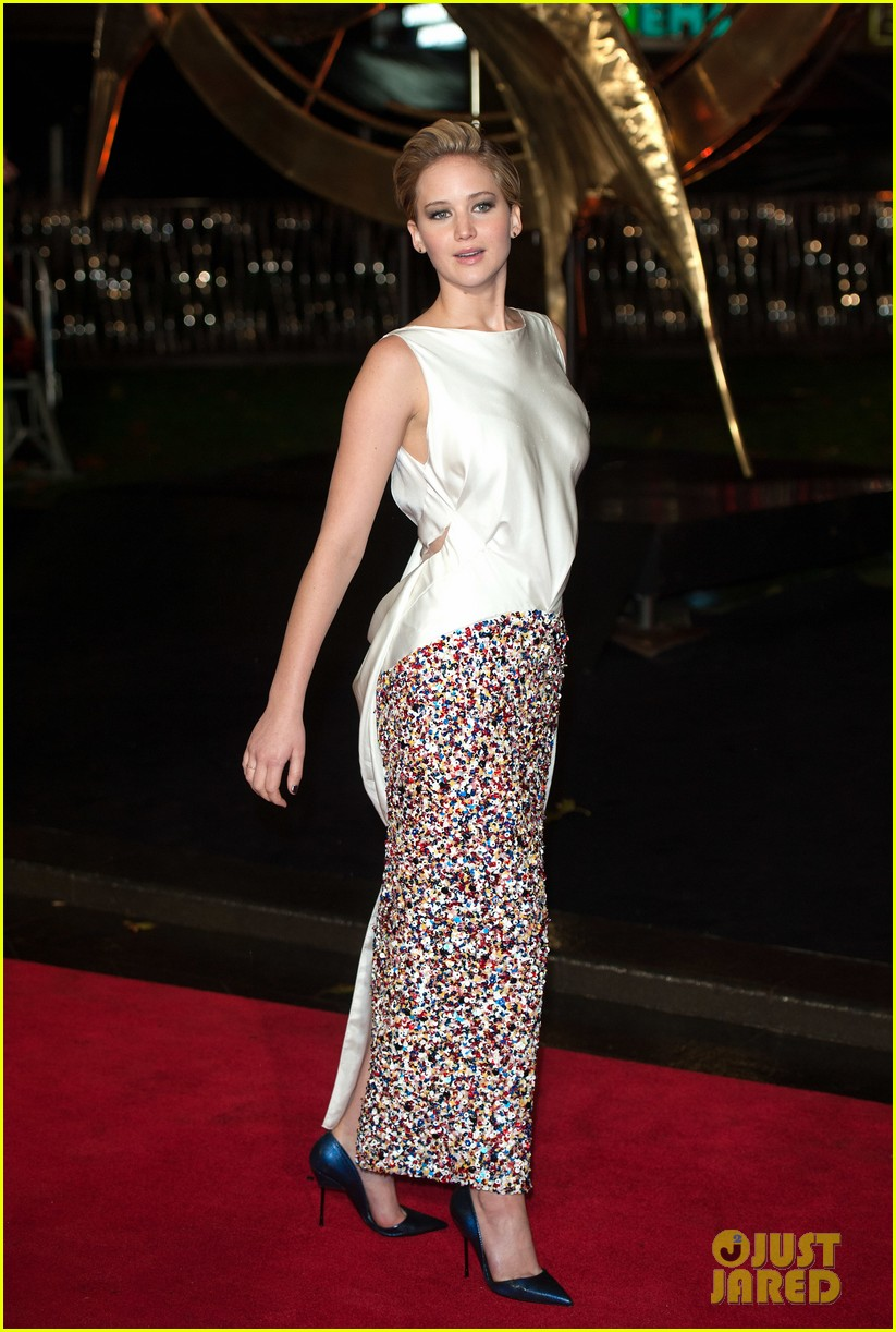jennifer larence catching fire london premiere red carpet 162990455