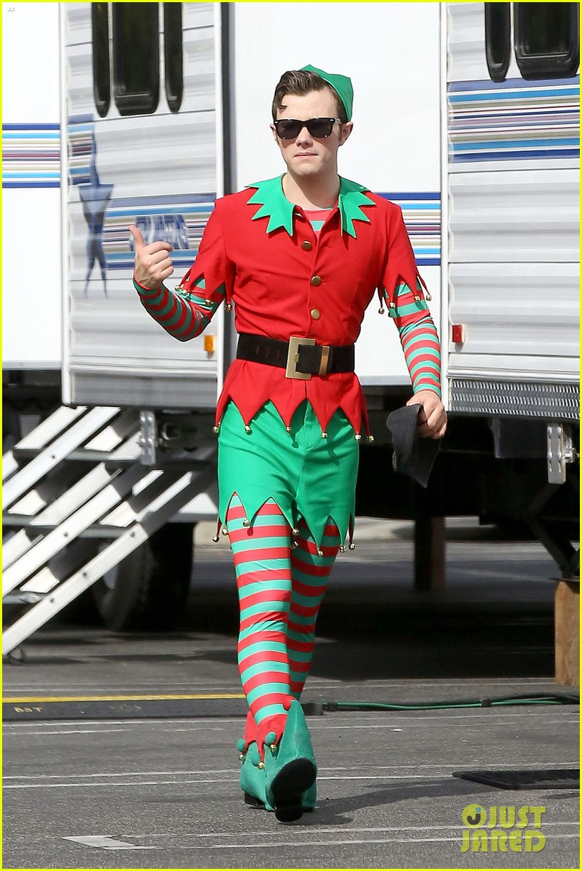 lea michele naya rivera santas sexy little helpers 16