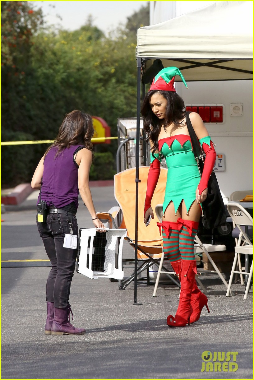 lea michele naya rivera santas sexy little helpers 27