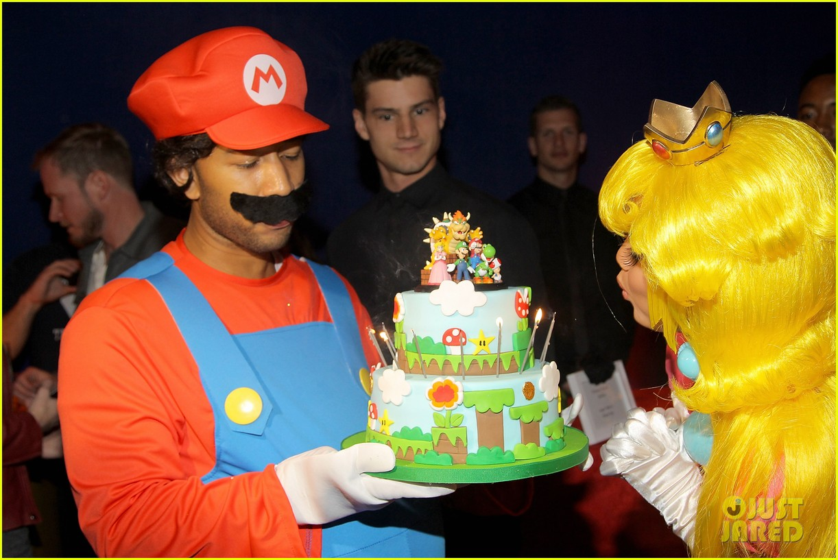 john legend chrissy teigen super mario bros birthday party 113001418