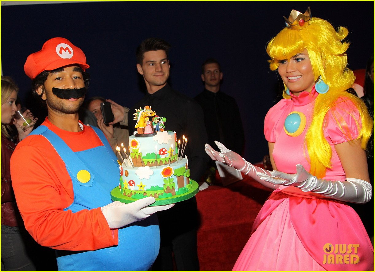 john legend chrissy teigen super mario bros birthday party 30