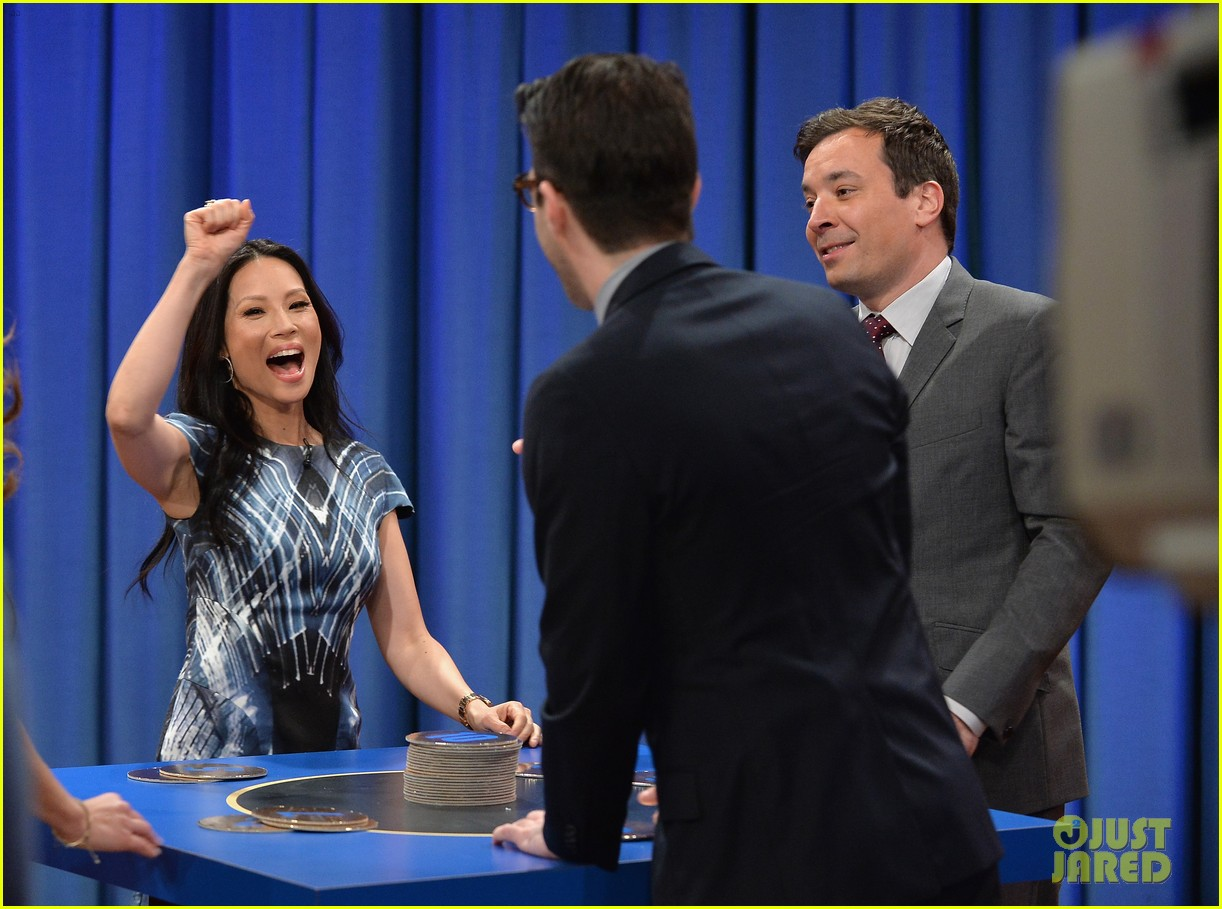 zachary quinto lucy liu play catchphrase on jimmy fallon 082986971