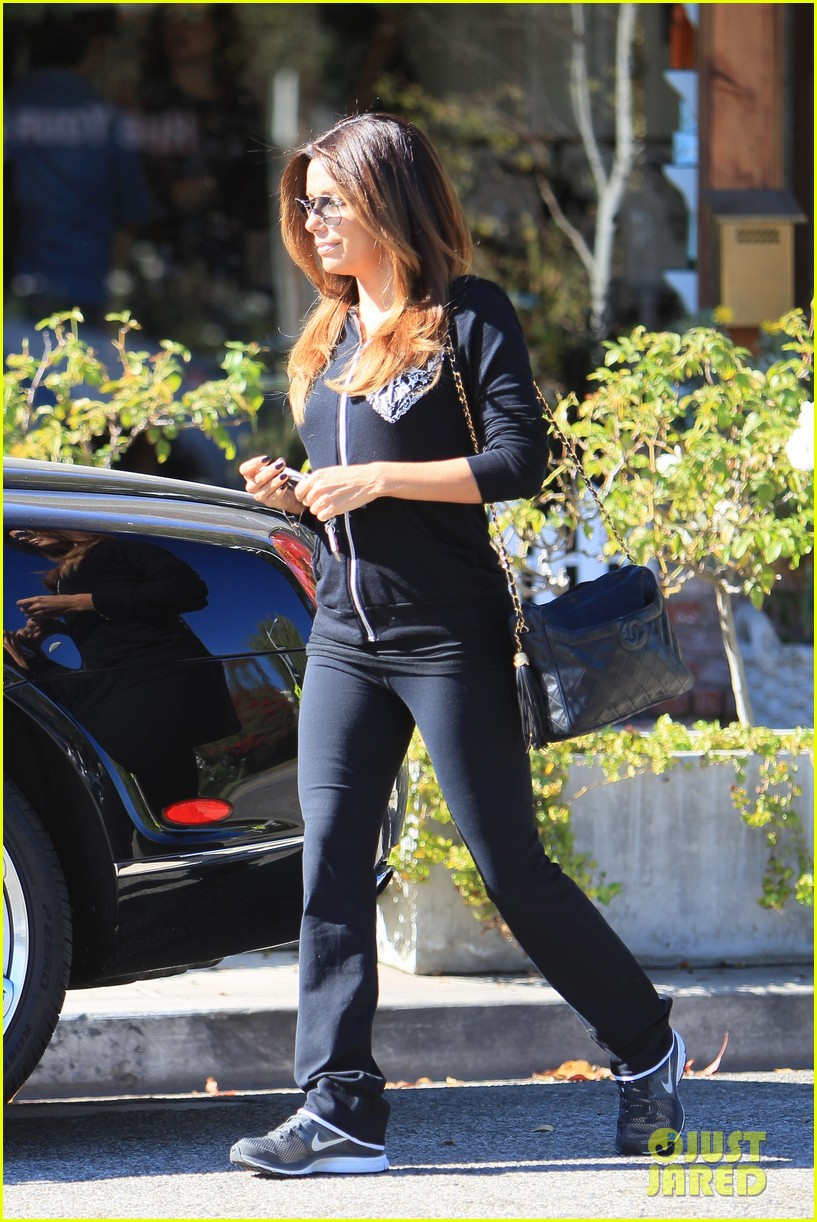 eva longoria steps out with new boyfriend jose antonio baston 10