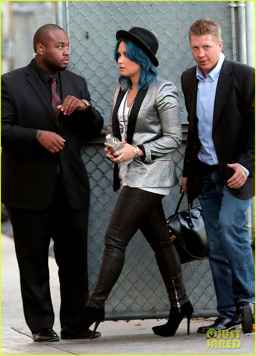 demi lovato stops by jimmy kimmel live 11