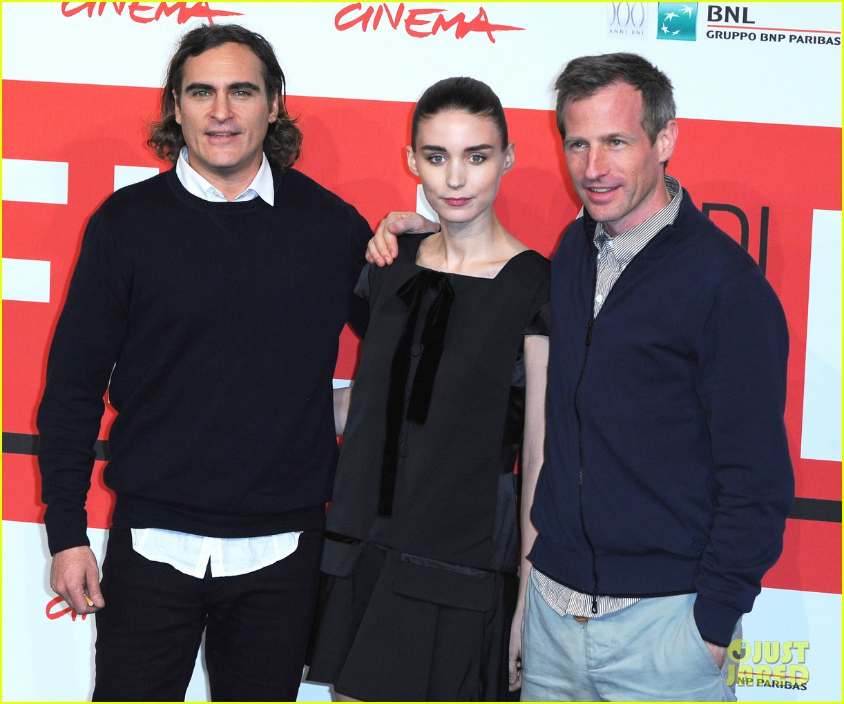 rooney mara joaquin phoenix her rome photo call 012989645