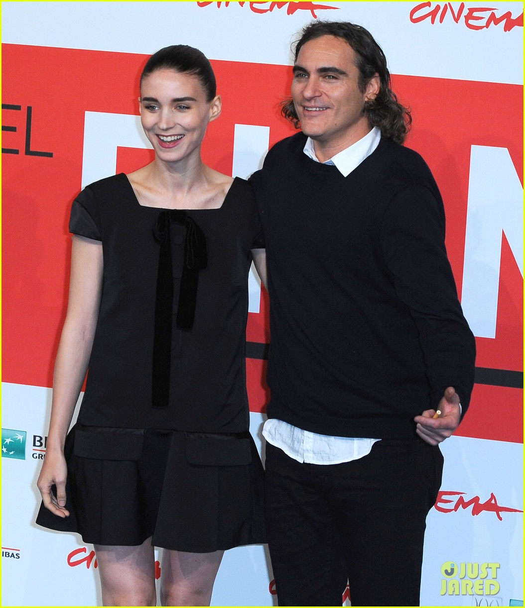 rooney mara joaquin phoenix her rome photo call 032989647