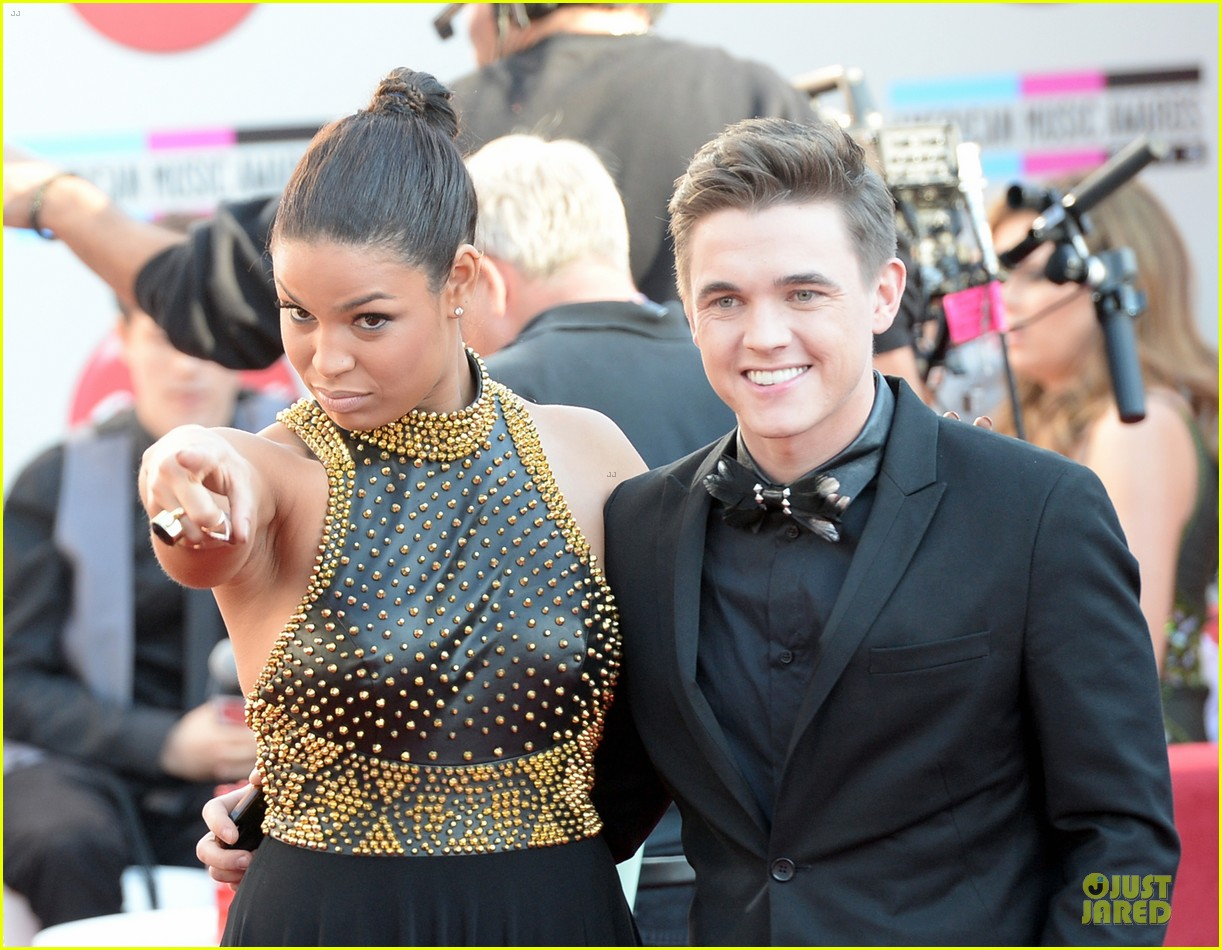 jesse mccartney amas 2013 red carpet 082999193