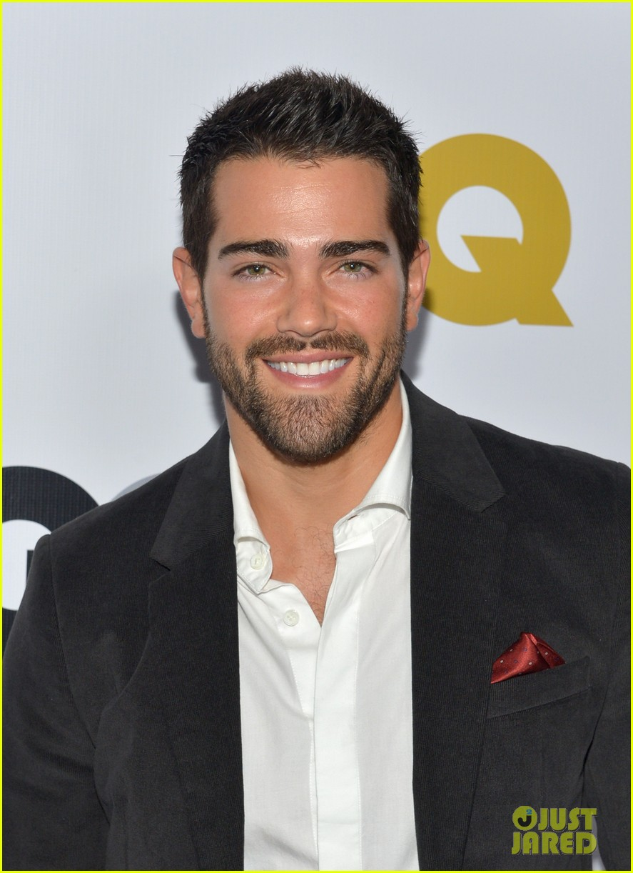 jesse metcalfe jesse tyler ferguson gq party people 01