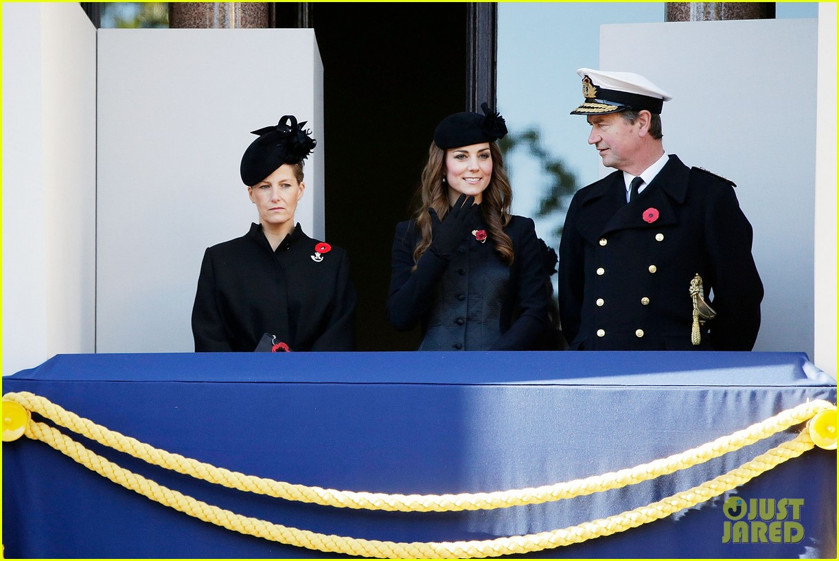 kate middleton prince william remembrance sunday sevice 072989714