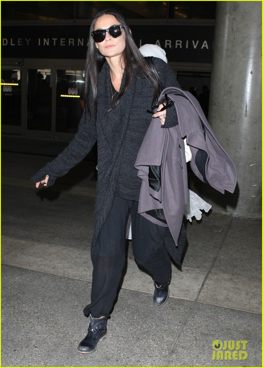 demi moore lands in america after spiritual retreat 052985942