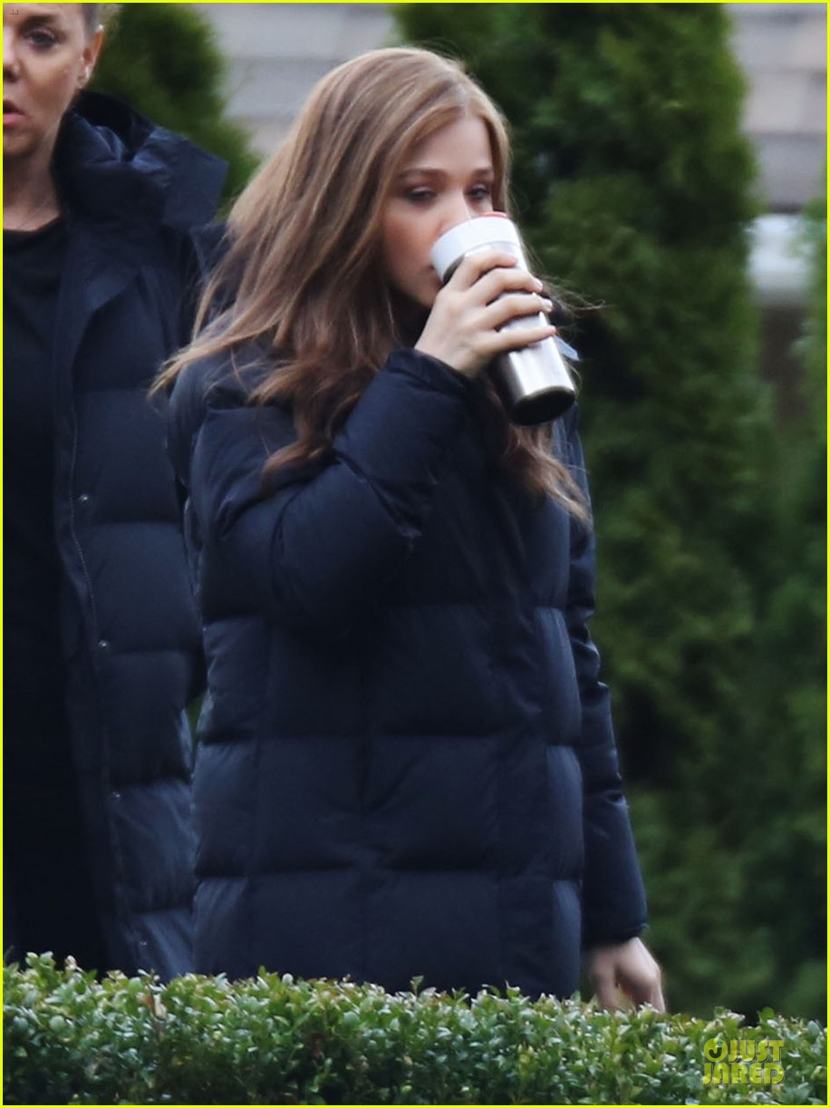 chloe moretz blue sporting babe on if i stay set 092989588