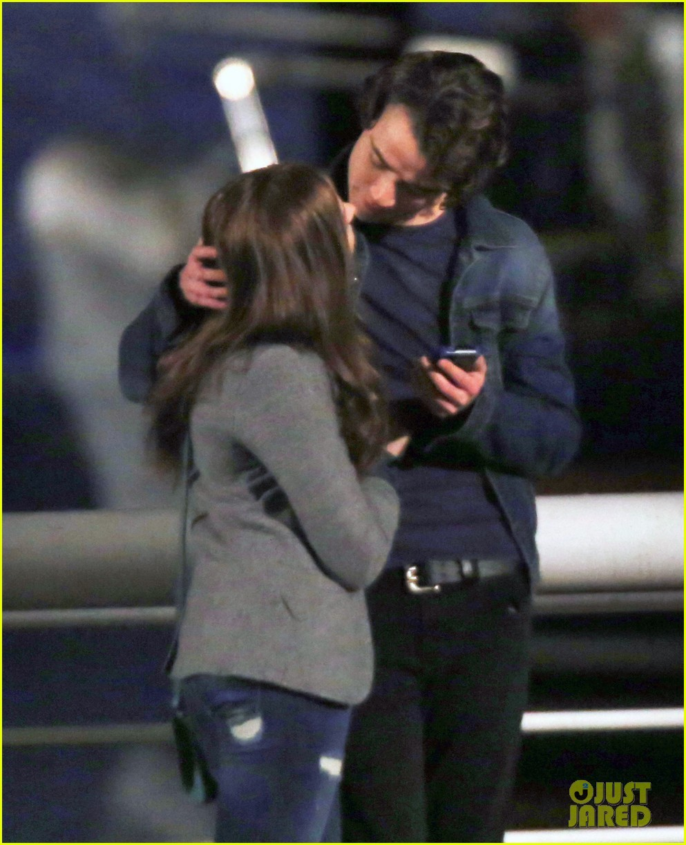 chloe moretz kisses co star jamie blackley on set 25