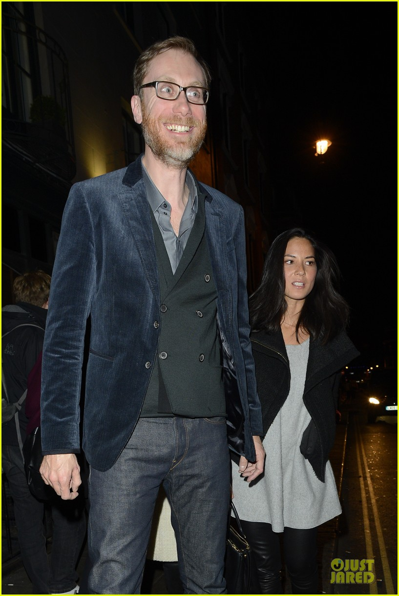 olivia munn groucho club with stephen merchant 152994065