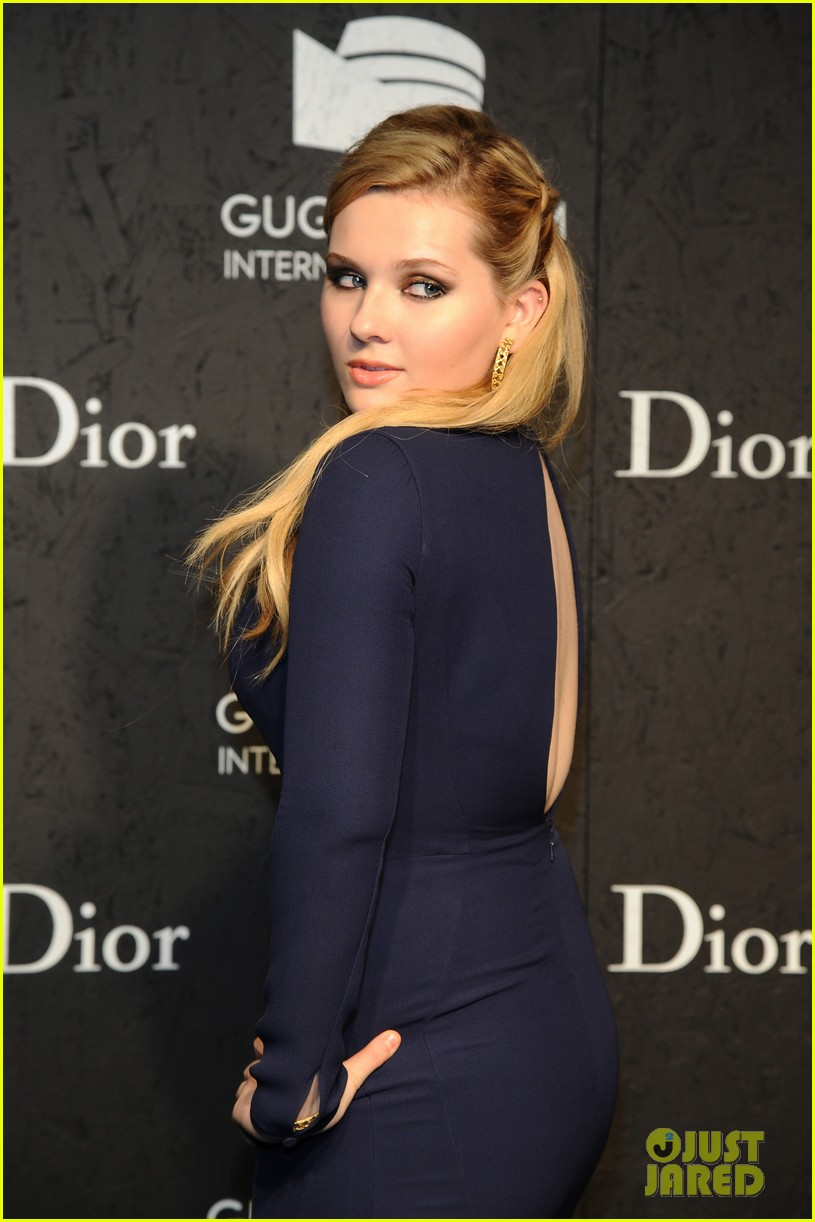elizabeth olsen zachary quinto guggenheim international gala pre party 09