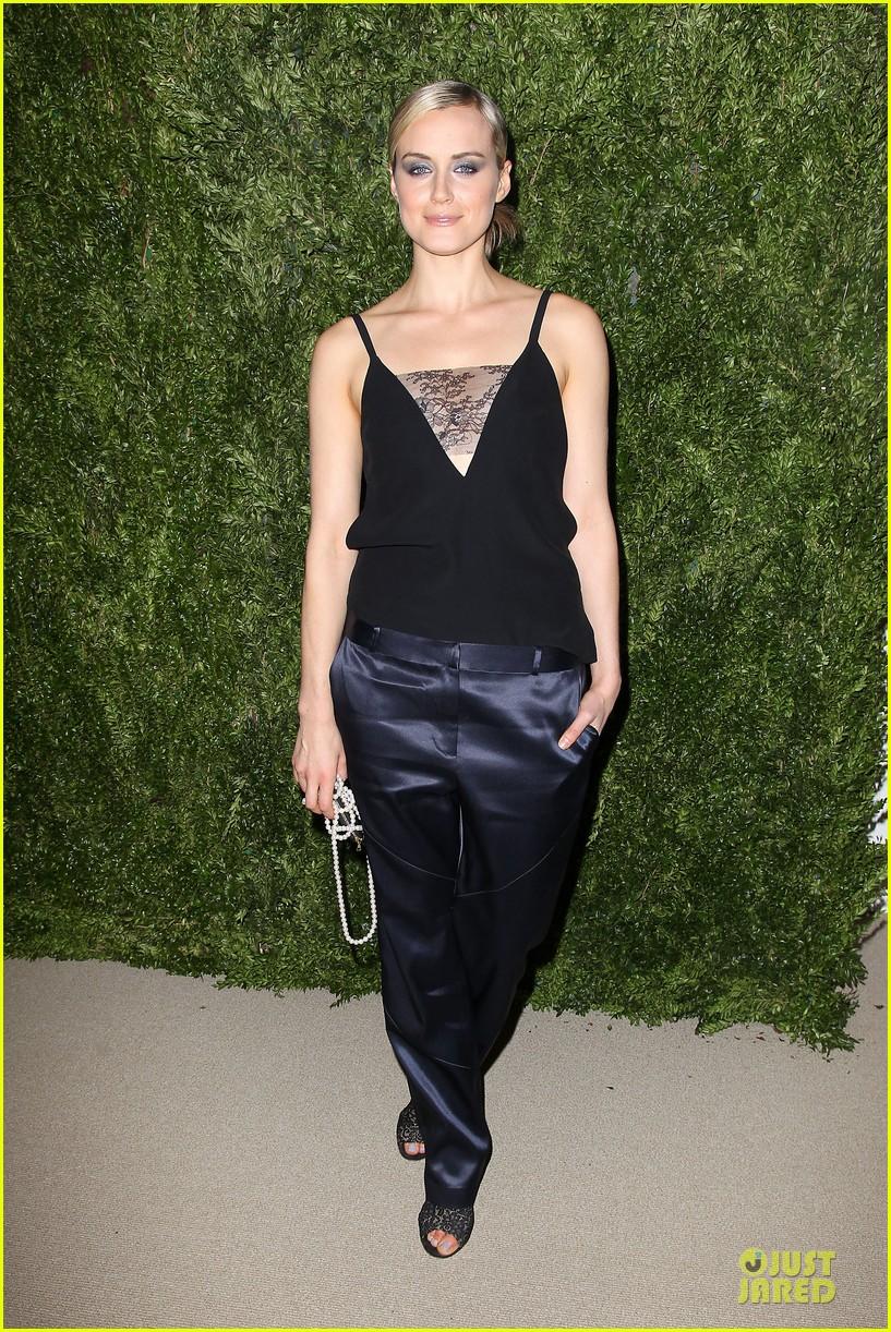 ashley olsen julianne moore cfda fashion fund finalists celebration 11