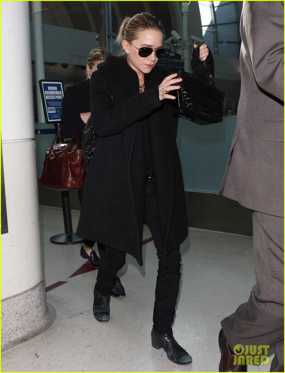 mary kate ashley olsen land at lax 12