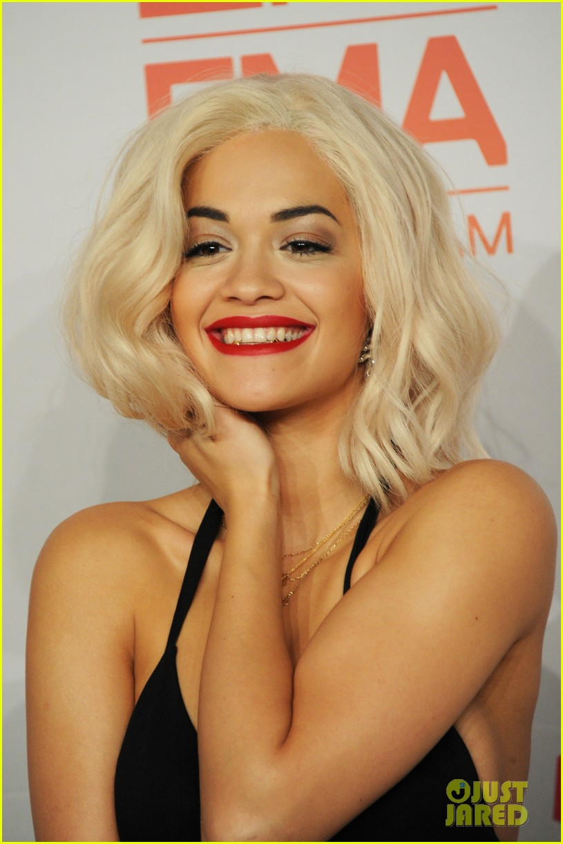 rita ora calvin harris mtv ema 2013 red carpet 02