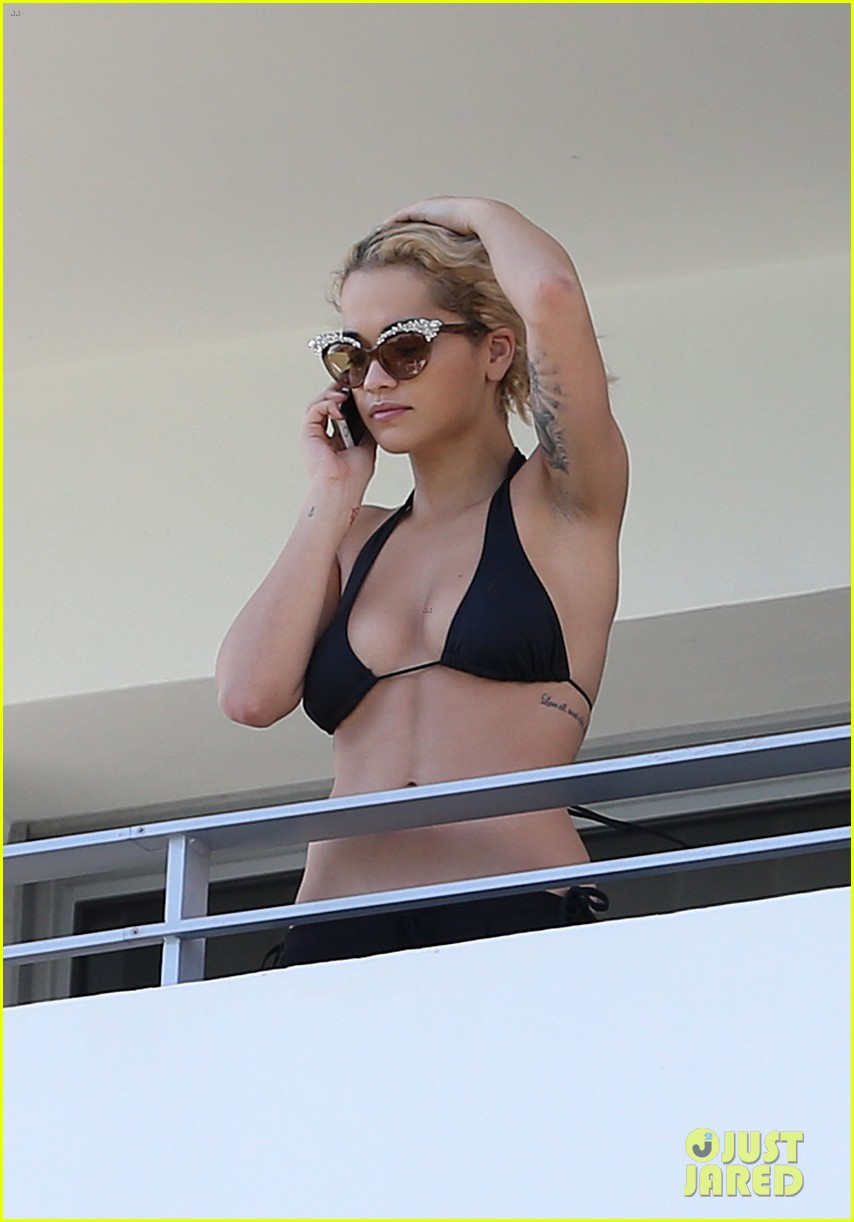rita ora relaxes in her bikini after health scare 01