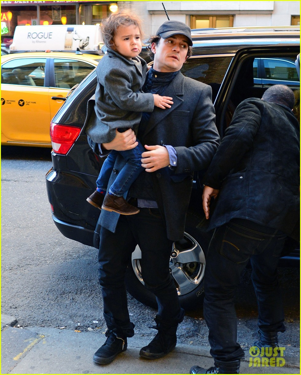 orlando bloom chilly day nyc flynn 022998989