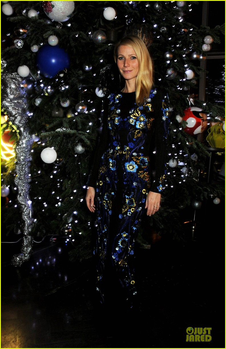 gwyneth paltrow kids company dinner host 013000221