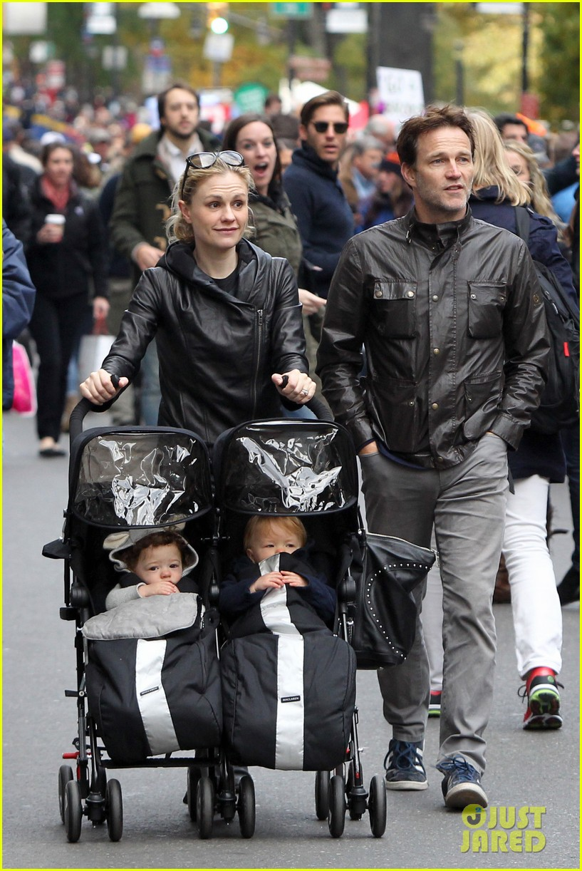 anna paquin stephen moyer check out nyc marathon 07