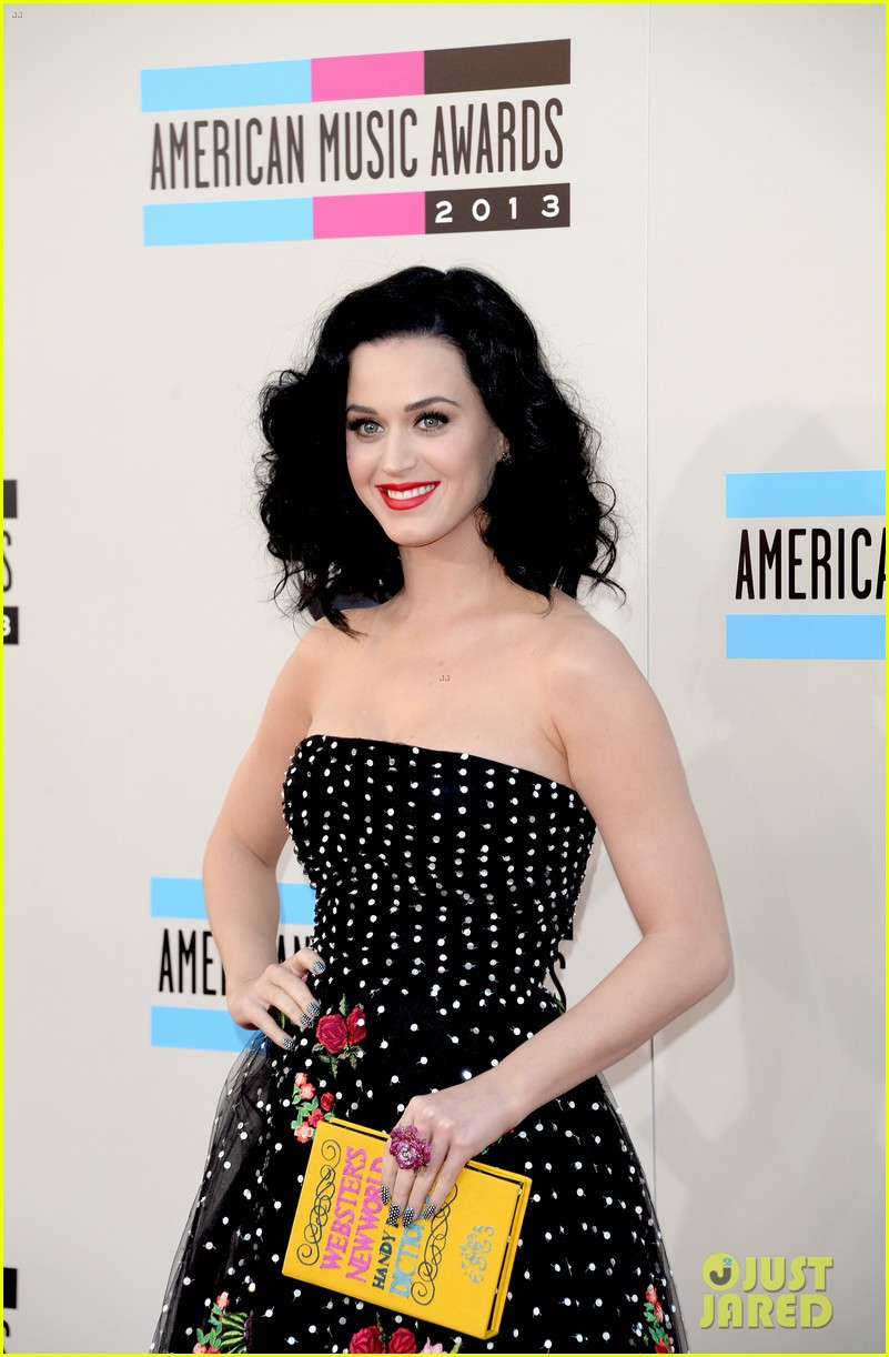katy perry amas 2013 red carpet 02